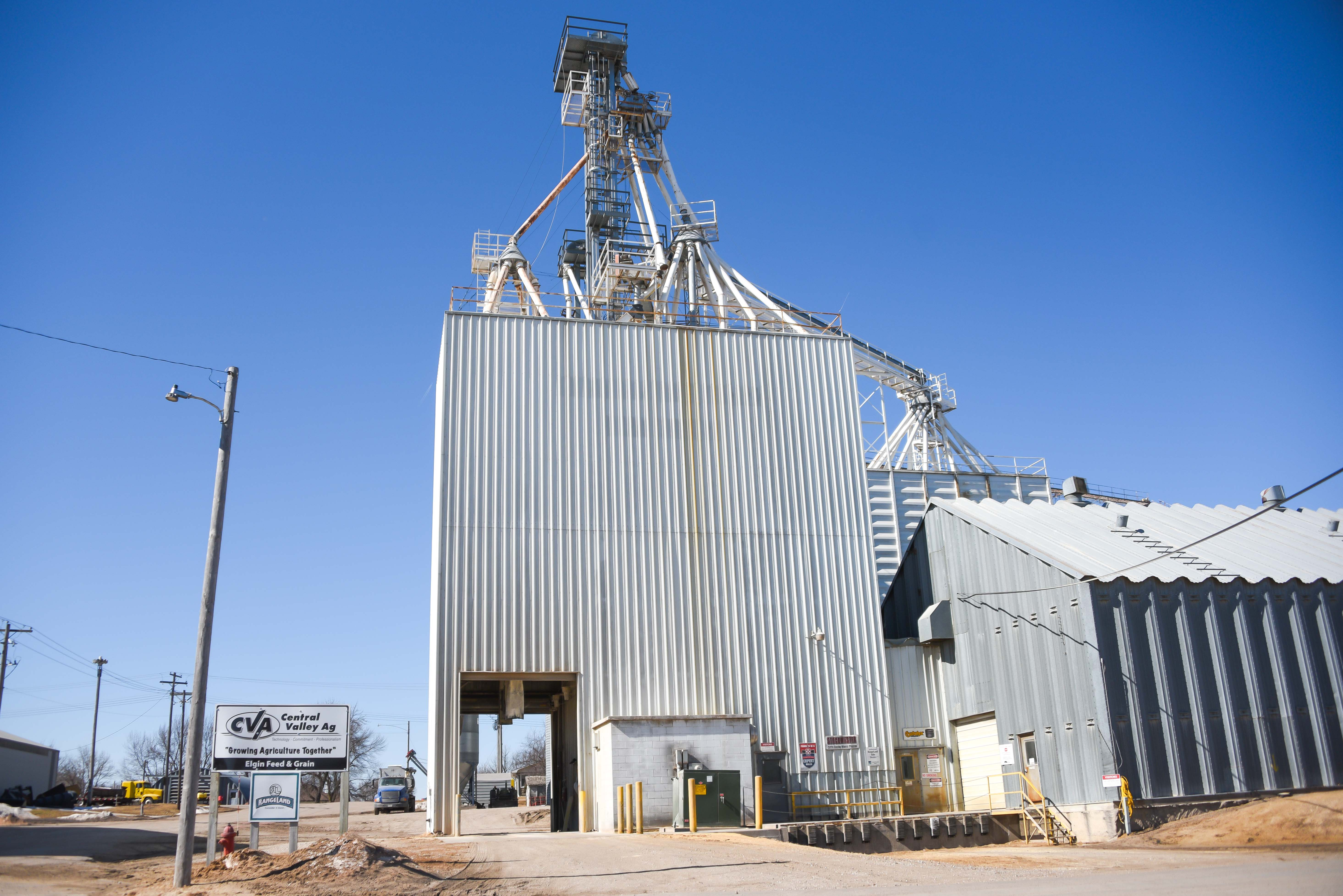 Cva elgin obtains perfect score during haccp recertification cva elgin ne central valley ag cva feed mill in elgin nebraska recently went through their annual haccp recertification inspection and received a perfect 1betcityfo Choice Image
